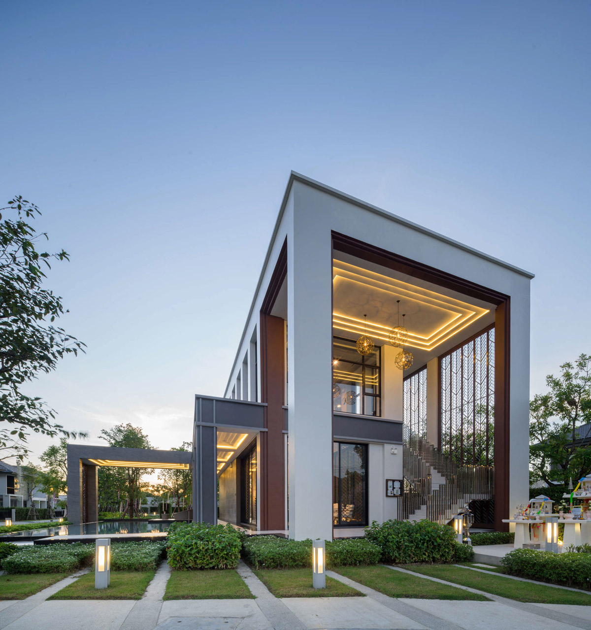 Three-rising-structures-modern-house-elevation